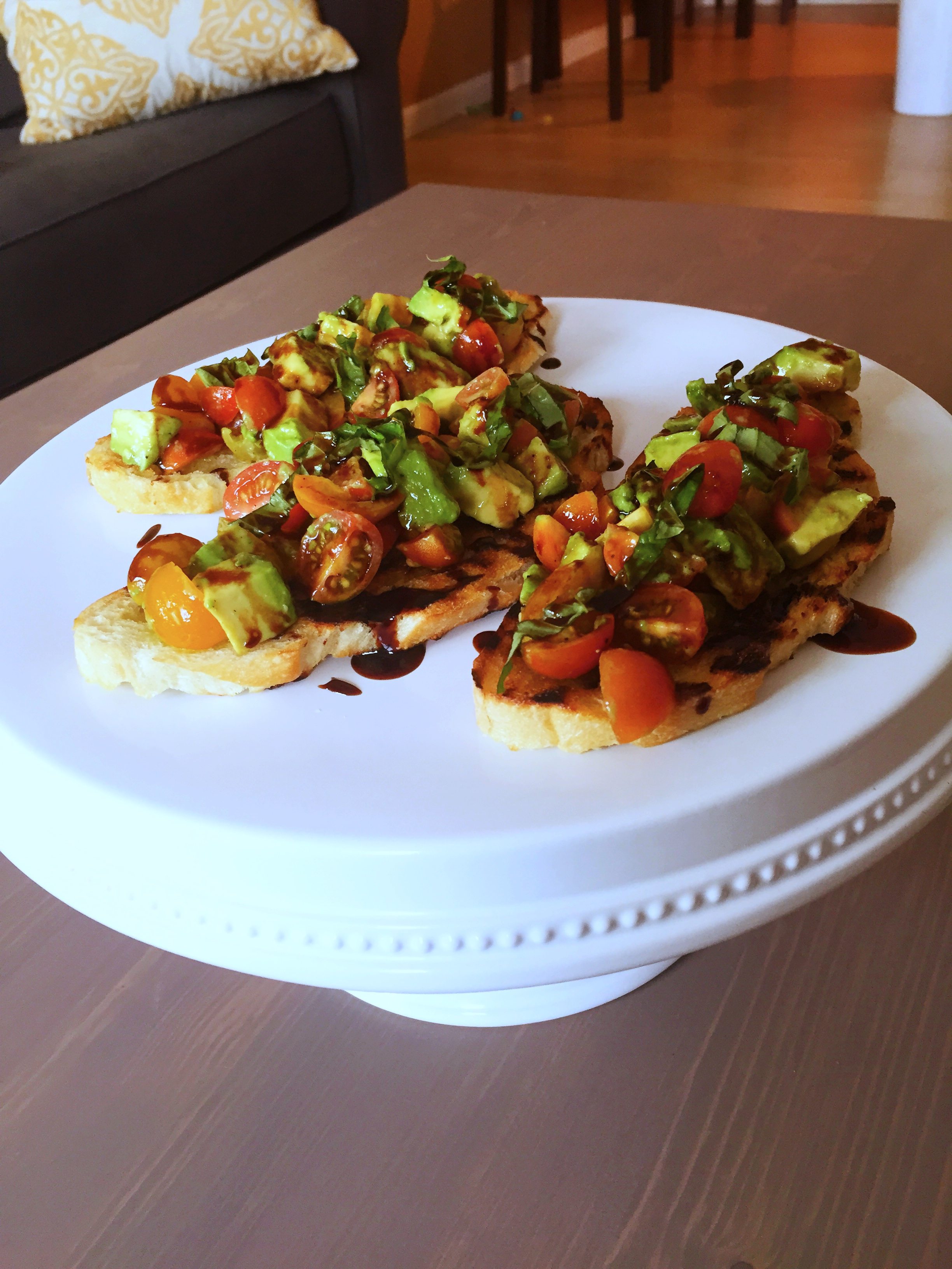 Avocado Bruschetta with Balsamic Glaze